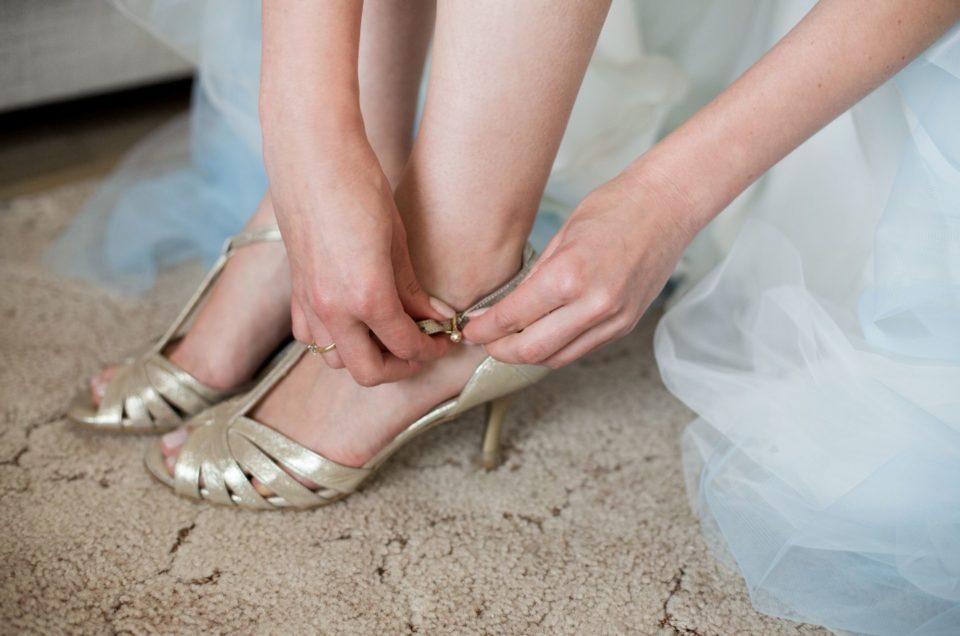 Fotograf na przygotowaniach ślubnych