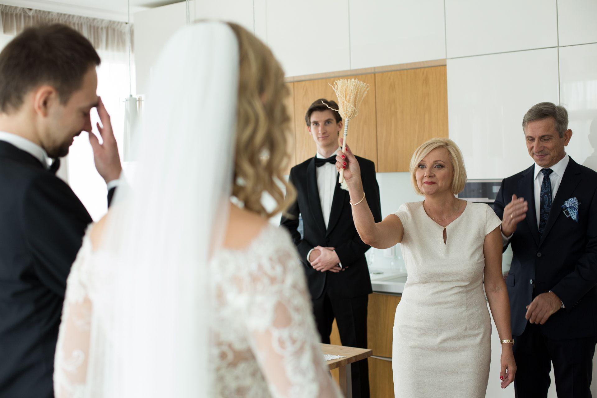 Fotograf na przygotowaniach ślubnych Warszawa