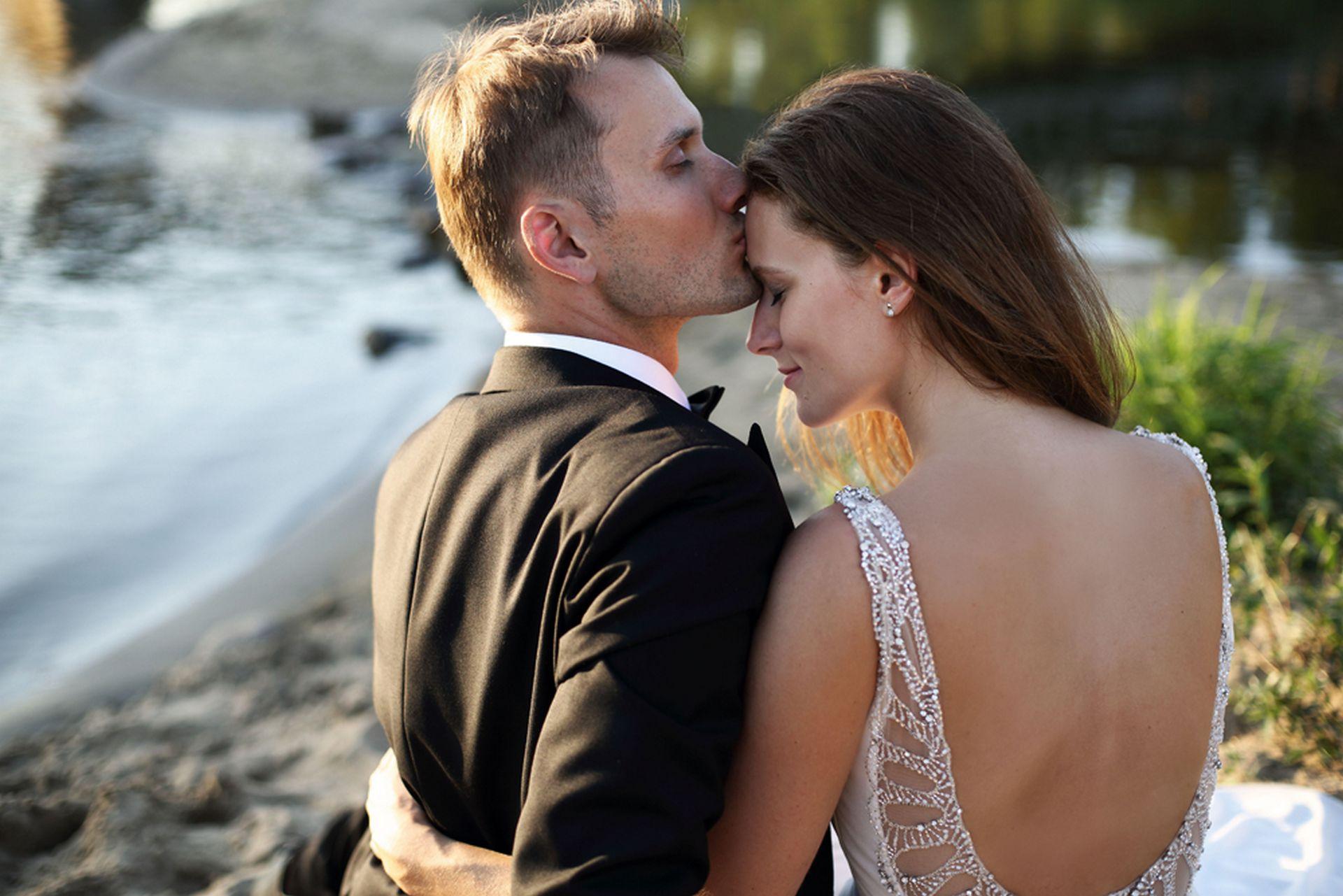 Jak przygotować się do pleneru ślubnego? Ślubna sesja zdjęciowa Warszawa